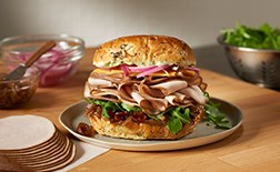 PERDUE<sup>®</sup> SANDWICH BUILDERS<sup>®</sup> NO ANTIBIOTICS EVER Oven Roasted Sliced Turkey Breast, .67 oz<br/>(75121)